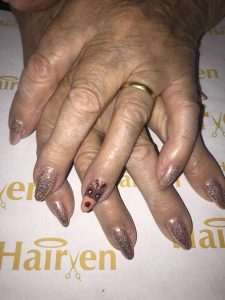 festive-nail-trends-beauty-salon-beeston-gedling